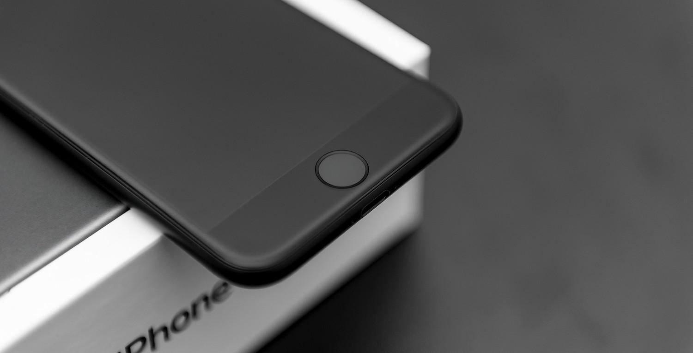 https://yellow.ua/media/post/image/h/e/hello-iphone-8-apple-patents-fingerprint-sensor-built-into-the-display-509400-2.jpg