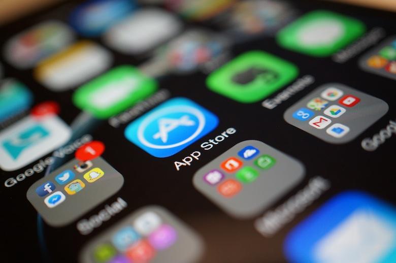 https://yellow.ua/media/post/image/i/p/iphone-6-review-display-app-store-2.jpg